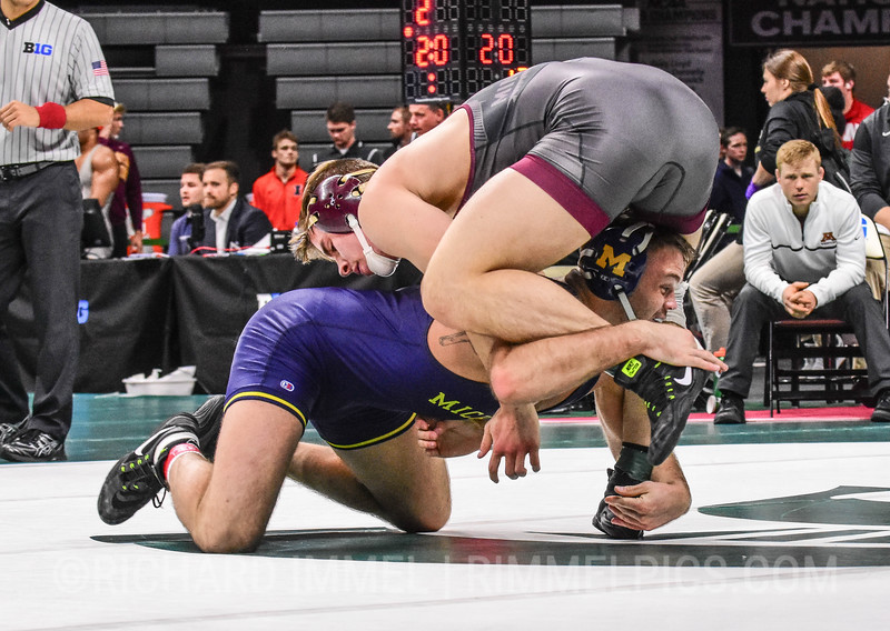 197: Kevin Beazley (Michigan) dec. Dylan Anderson (Minnesota), 9-4