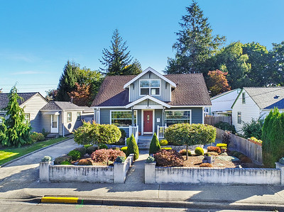 739 4th St NW, Puyallup