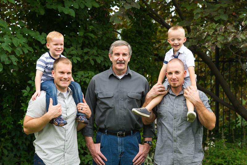 AG_2018_07_Bertele Family Portraits__D3S4034-2.jpg