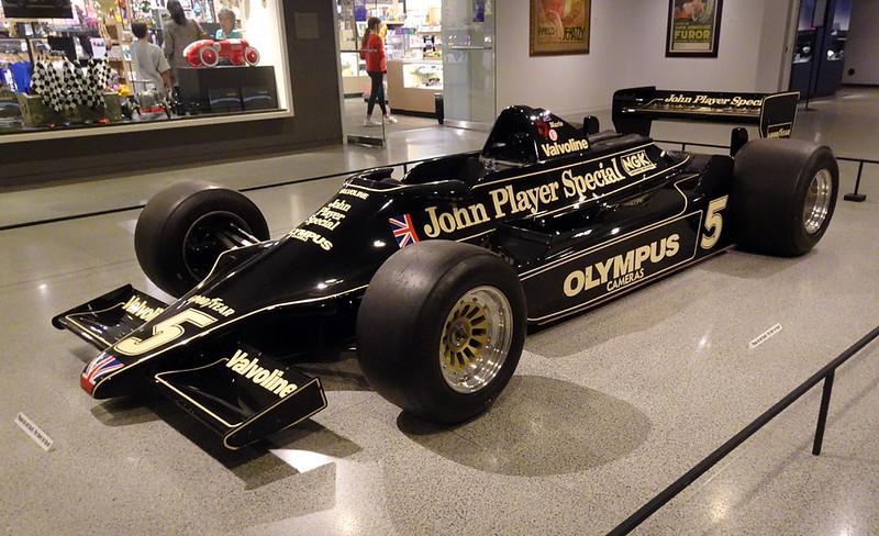 DSC04712L Lotus 78 John Player Special.jpg