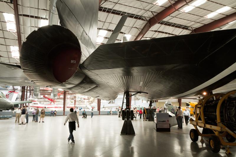 Blackbird - nejrychlejší letadlo (3,529.6 km/h) s nejvyšší výškou letu zároveň (25,929 m) (http://en.wikipedia.org/wiki/Lockheed_SR-71_Blackbird)