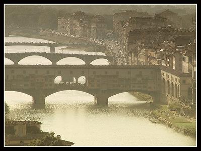 Florence - Arno - Ponte Vecchio