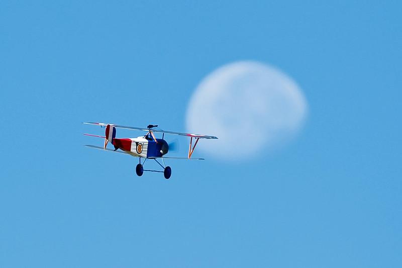 Electrifly_Nieuport17_Moon_44.jpg