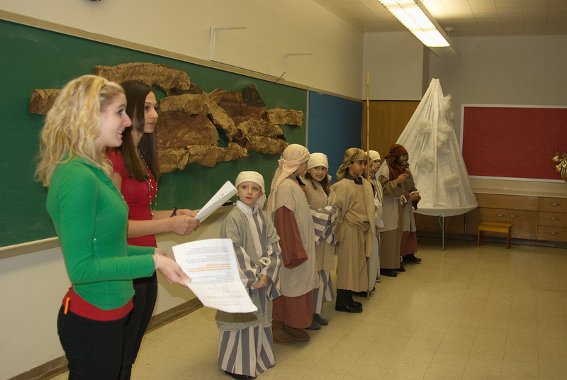 2011-12-18-Christmas-Pageant_148.jpg