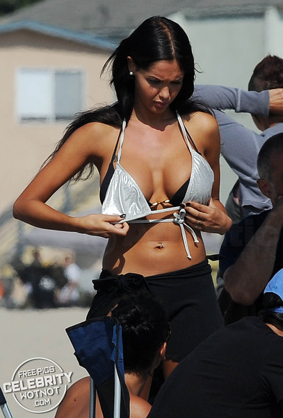 Nabilla Benattia Shows Off Bikini Filming Show On Venice Beach, California