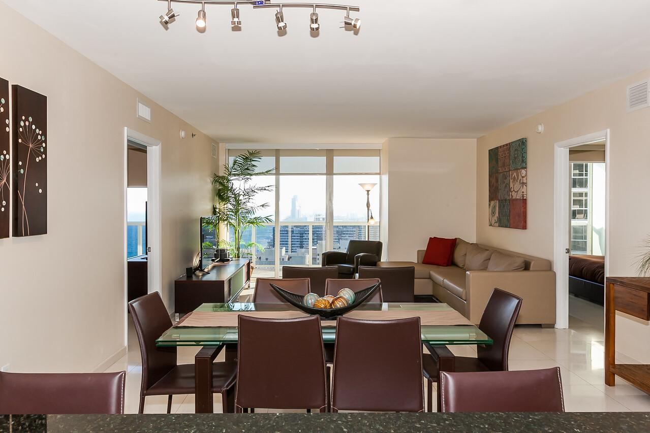 Dining room /living room