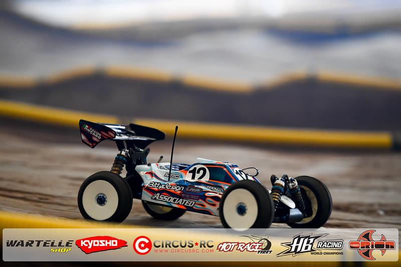 neo race track pits46.jpg