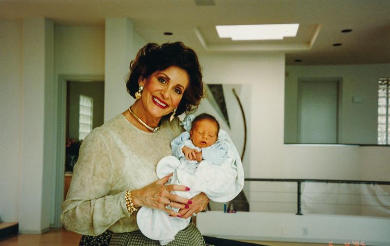 1995 Will Baby Book 00012.jpg