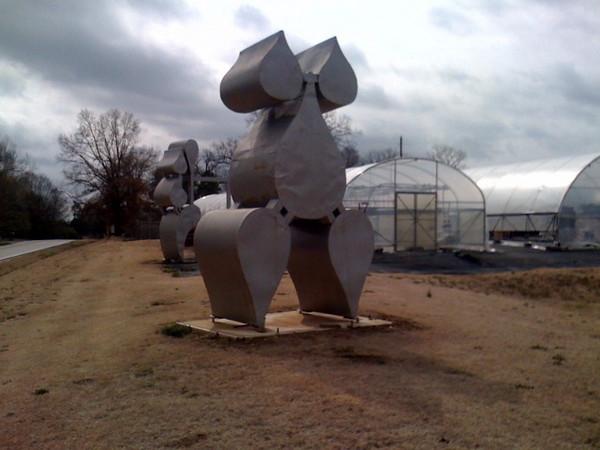 women sculptures 1.JPG