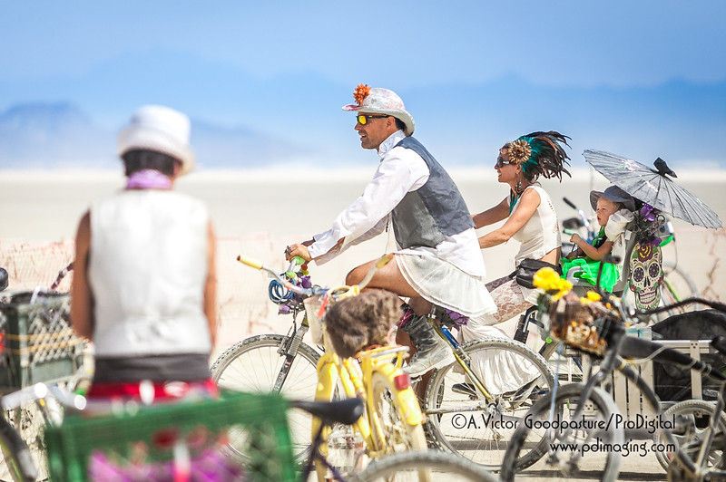 Yes, kids and families are encouraged to participate in Burning Man.