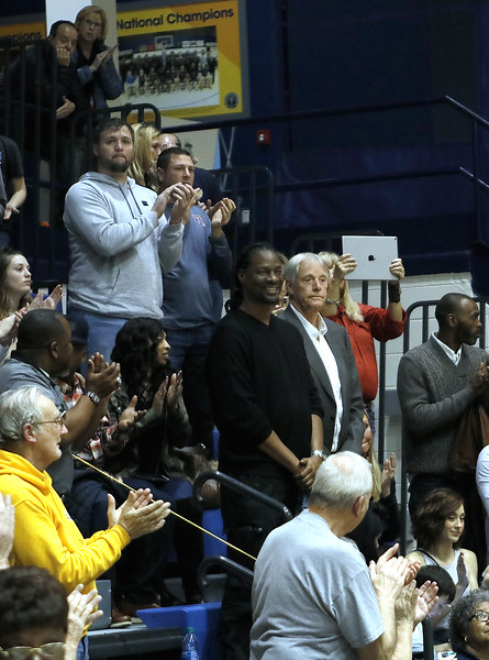 _MG_4632-Players-Coach Sparks Crowd.jpg