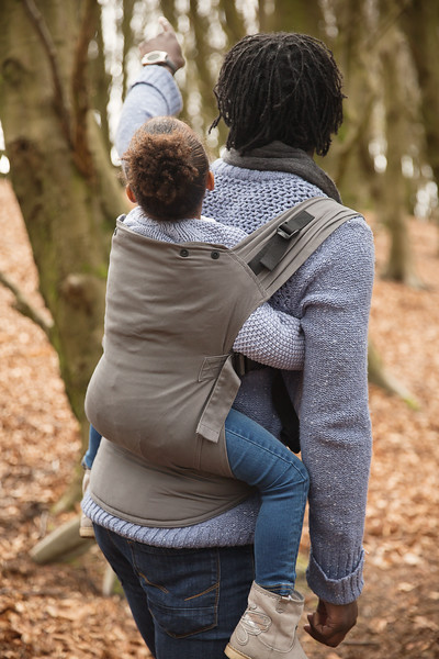 Izmi_Toddler_Carrier_Cotton_Mid_Grey_Lifestyle_Back_Carry_Toddler_Arms_Round_Dad.jpg