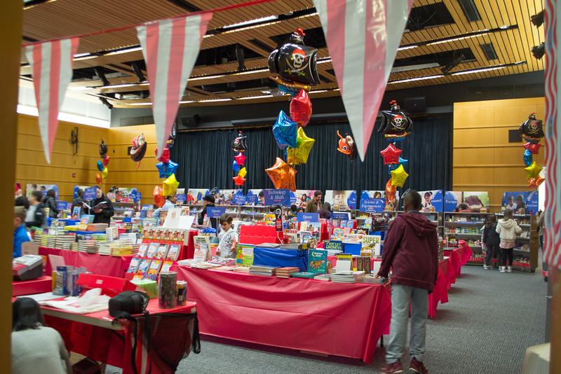 2016114-Book Fair-1.jpg