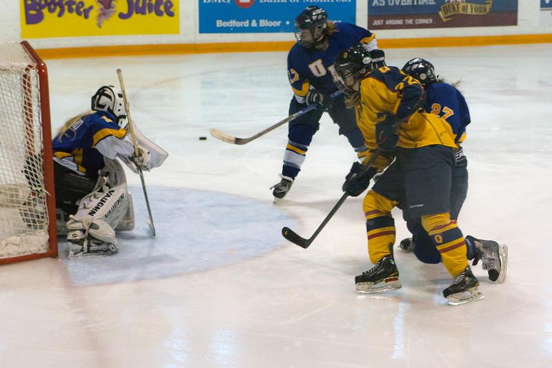 20130310 QWHockeyvsUBC 385.jpg