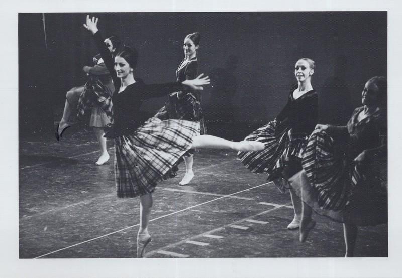Dance_1071.jpg
