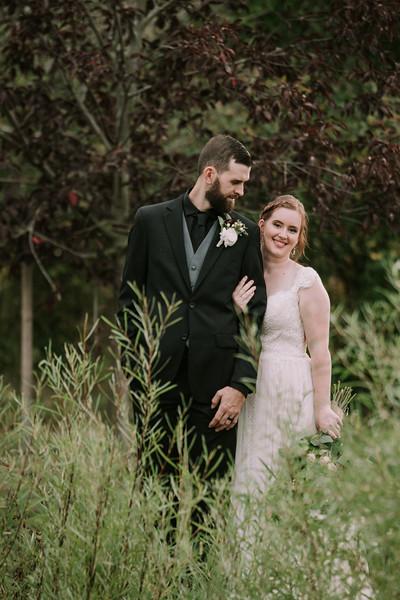 rustic_ohio__fall_barn_wedding-275.jpg
