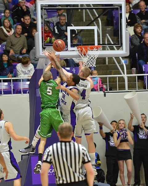 Weber State Takes on North Dakota in Hoops Action