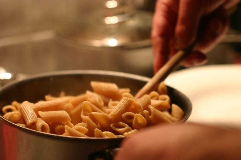 adam-making-dinner_2090167470_o.jpg