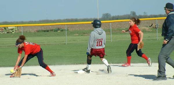 SN Softball vs Seeger 2003