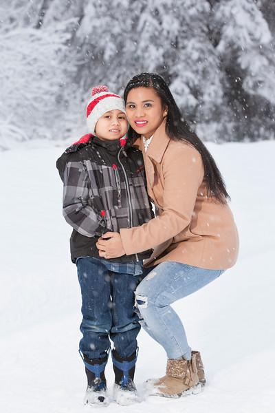 Winter Family Pics January 15, 2017 0043.jpg
