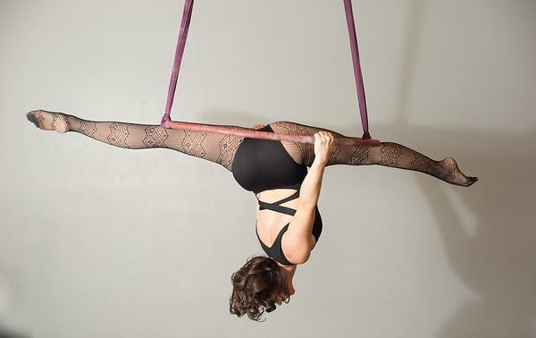 Elizabeth Circus Lyra