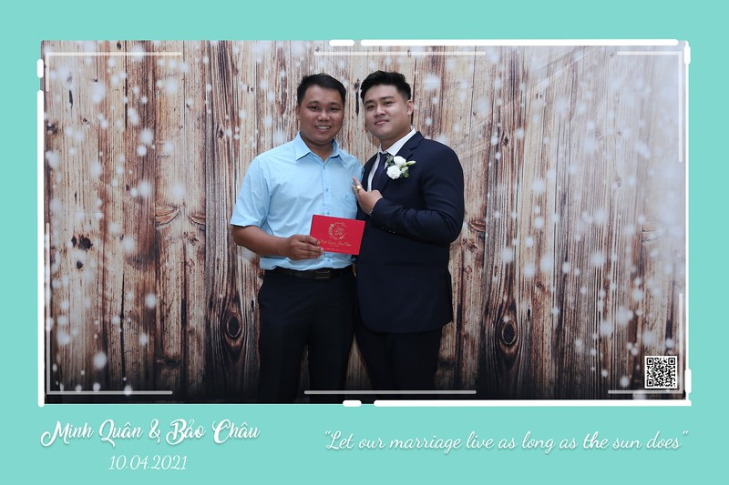 QC-wedding-instant-print-photobooth-Chup-hinh-lay-lien-in-anh-lay-ngay-Tiec-cuoi-WefieBox-Photobooth-Vietnam-cho-thue-photo-booth-054.jpg