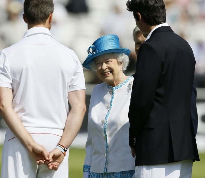 ". <p><b><a href=\'http://www.nytimes.com/2013/07/18/world/europe/gay-marriage-is-given-seal-of-approval-by-queen-elizabeth-ii.html?_r=0\' target=""_blank\""> Queen Elizabeth made history when she officially gave her long-awaited approval to ... </a></b> <p> <b>A. Gay marriage </b> <p><b> B. The Royal Baby�s name </b> <p> <b>C. Prince Charles� tart Camilla </b> <p> --------------------------------------------   (AP Photo/Kirsty Wigglesworth)"