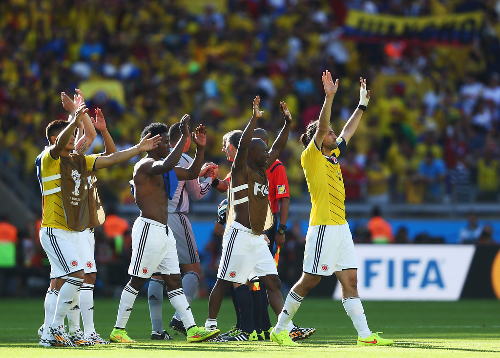 . Mario Yepes (R) of Colombia and his team mates thank the fans for their support during the 2014 FIFA World Cup Brazil Group C match between Colombia and Greece at Estadio Mineirao on June 14, 2014 in Belo Horizonte, Brazil.  (Photo by Jeff Gross/Getty Images)