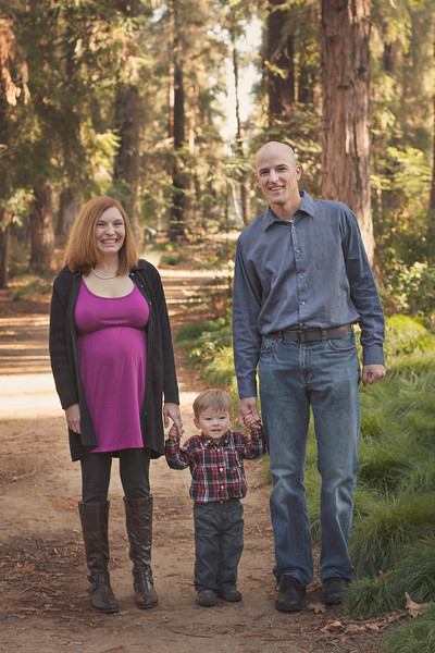 sacramento-family-portrait-nature-redwoods.jpg