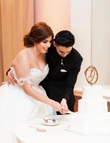 Alexandria Vail Photography Wedgewood Fresno Wedding Alexis   Dezmen747.jpg