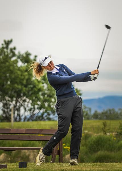 Ragnhildur Kristinsdóttir, GR, á 12. teig á Garðavelli.  Mynd/seth@golf.is