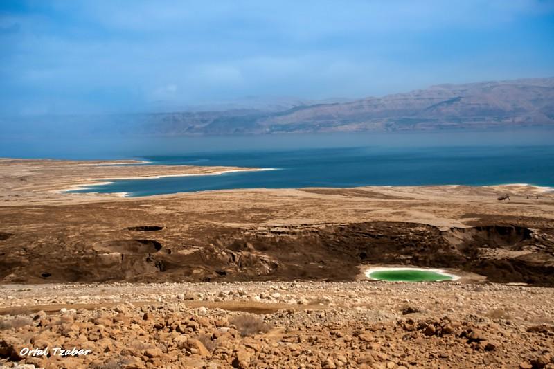בולען ירוק בים המלח.jpg