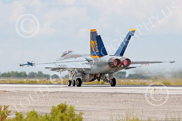 US Navy VFA-192 GOLDEN DRAGONS Military Airplane Pictures
