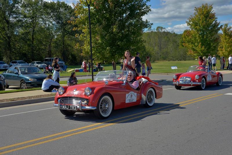 homecoming-parade-classic-cars-2.jpg