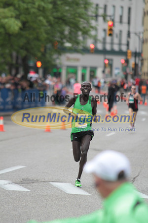 10K Top Finishers at Finish Line  - 2012 Fifth Third River Bank Run