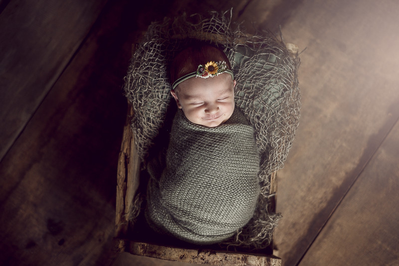 Newborn Liénna-3.jpg