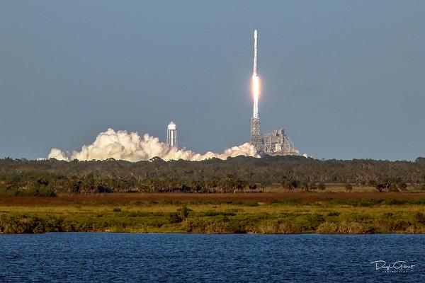 Intelsat 35e Communications Satellite Atop a Falcon 9 Booster