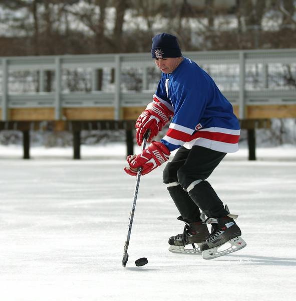 20140208_EMCphotography_PondHockeyCongersLakeNY-6.jpg