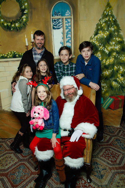 Pictures with Santa at Gezellig-174.jpg
