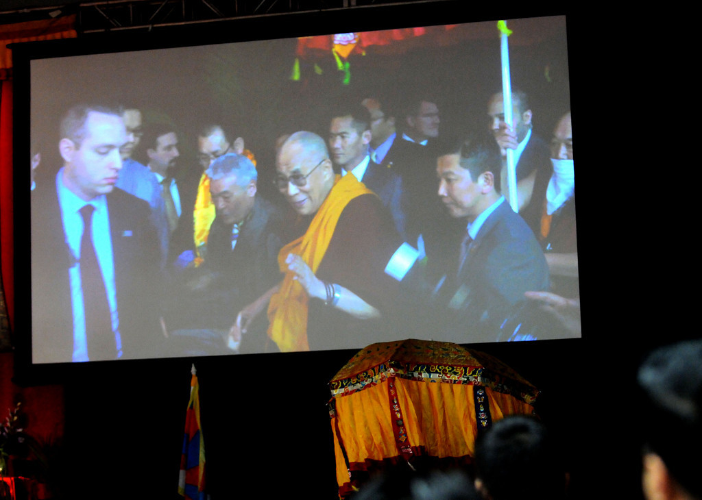 . The Dalai Lama arrives at Augsburg College.  (Pioneer Press: Sherri LaRose-Chiglo)