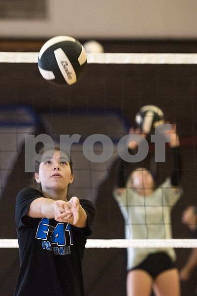 080117_Robert_E_Lee_Volleyball_Tryouts_Web_009
