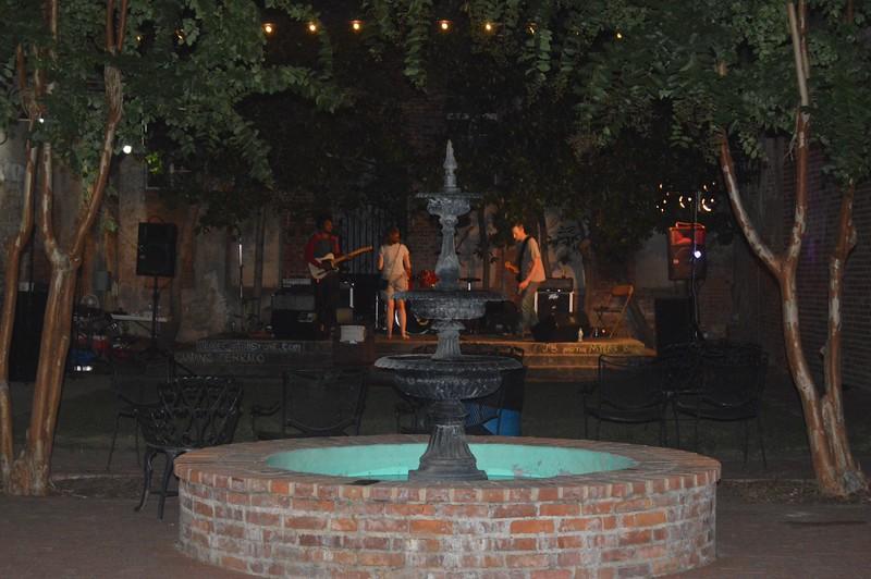 038 Thad Kelley Courtyard.jpg