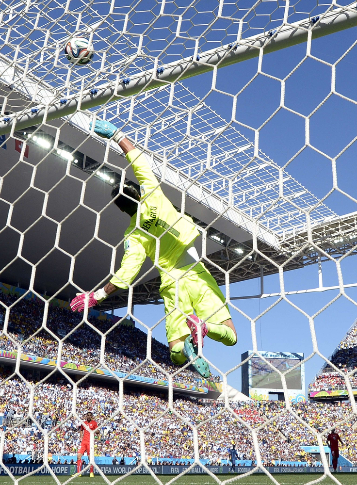 . Switzerland\'s goalkeeper Diego Benaglio leaps to defend his goal during a Round of 16 football match between Argentina and Switzerland at Corinthians Arena in Sao Paulo during the 2014 FIFA World Cup on July 1, 2014.  (JUAN MABROMATA/AFP/Getty Images)