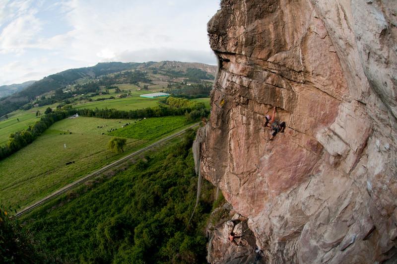 Viviana Gomez Vega climbing El ocaso de los idolos 5.12d, Suesca, Colombia.