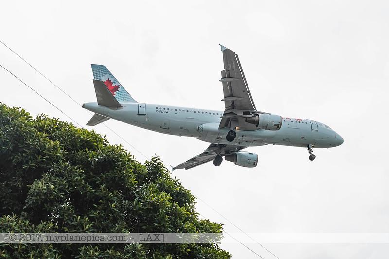 F20170219a104922_7970-Air Canada-Airbus A320-211-C-FDCA-undercarriage.jpg