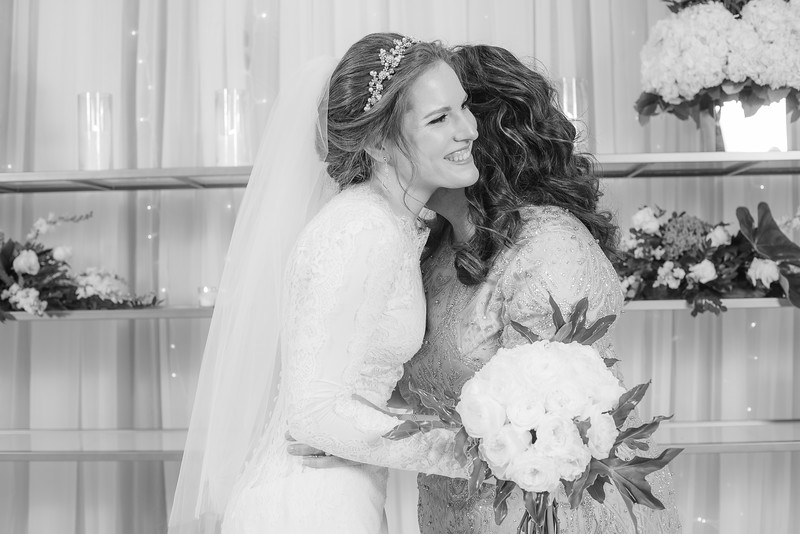 Miri_Chayim_Wedding_BW-217.jpg