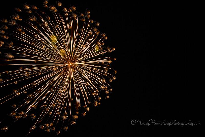 2019 Paradise Fireworks-112.jpg