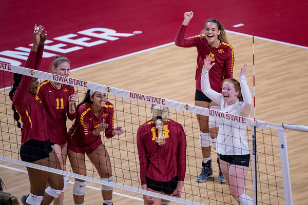 ISU Volleyball vs Ole Miss 08/24/18