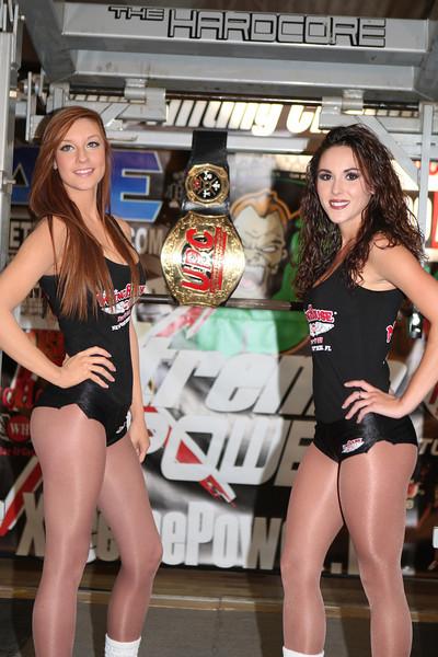 Wing House Girls Amanda and Amanda with the UPC Belt at APF Gulfcoast Powerlifting
