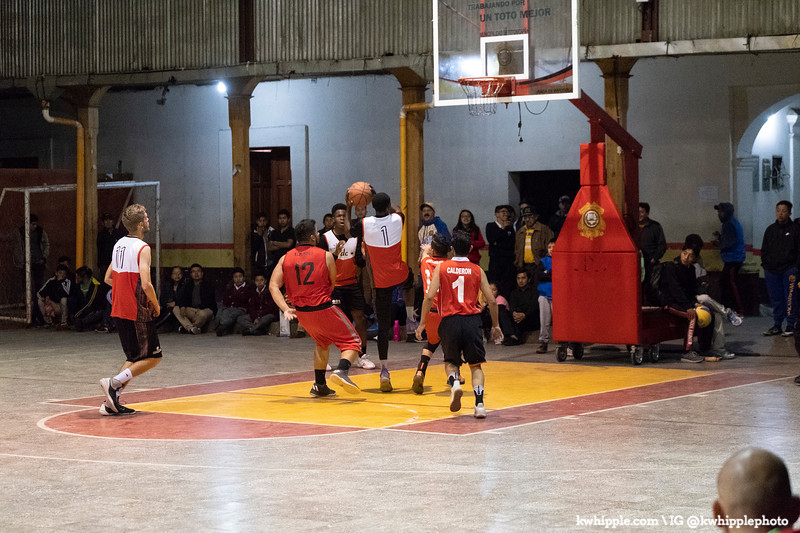 kwhipple_hoops_sagrado_20180726_0406.jpg